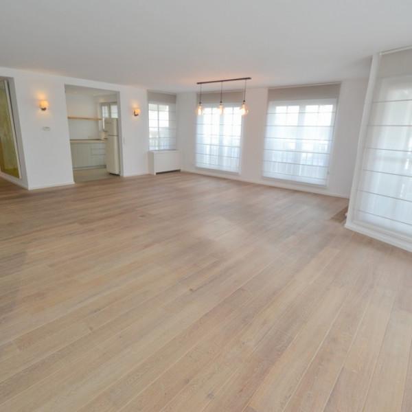 Prachtig hoekappartement van 155 m² met 3 slaapkamers en dubbele garage.