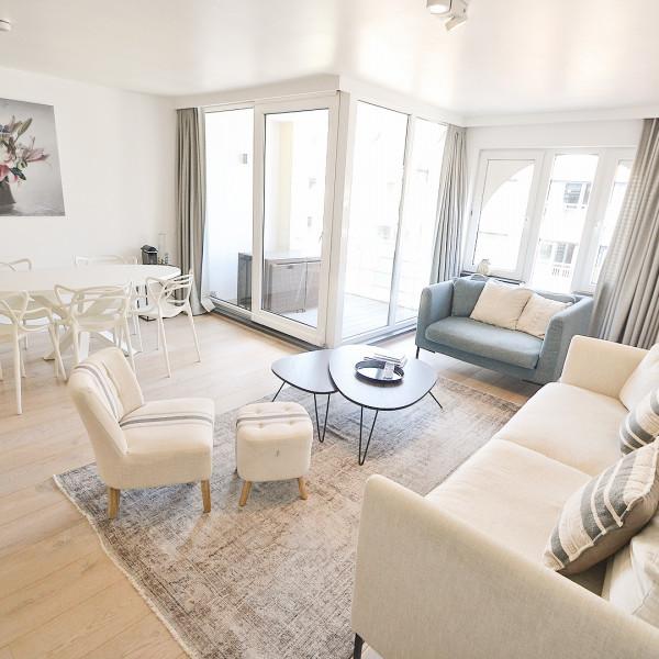 Ruim appartement gelegen aan de Zonnekant van de Parmentierlaan. garage mogelijk
